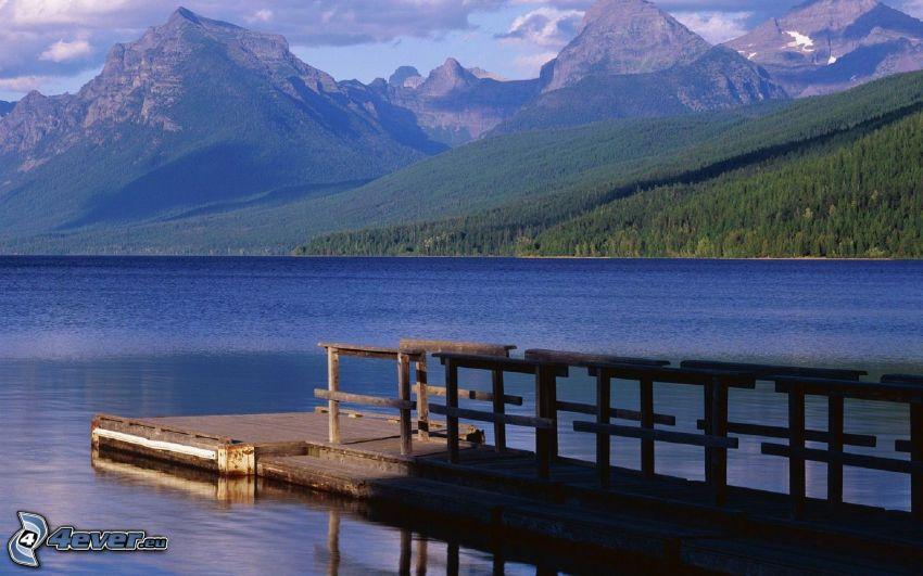 McDonald Lake, Montana, molo di legno, lago, montagne