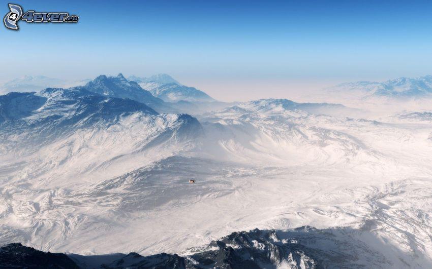colline coperte di neve