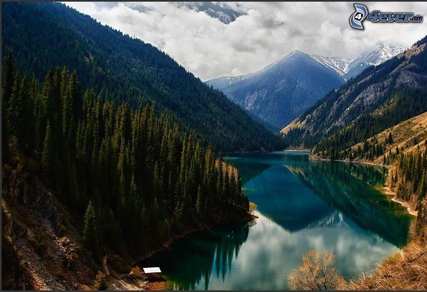 Kolsai Lakes, Kazakistan, lago, montagne, bosco di conifere
