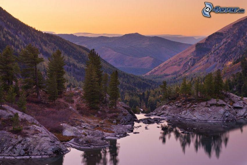montagne, laghetto, sera, rocce, alberi di conifere