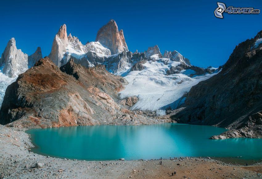 Mount Fitz Roy, lago di montagna, neve, montagne rocciose