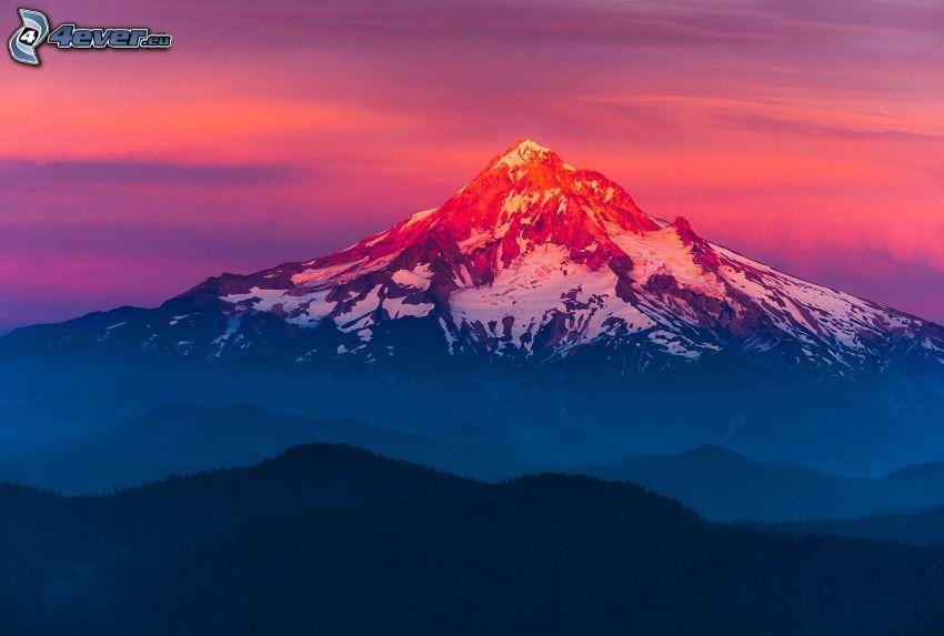 Mount Hood, montagna innevata, cielo arancione