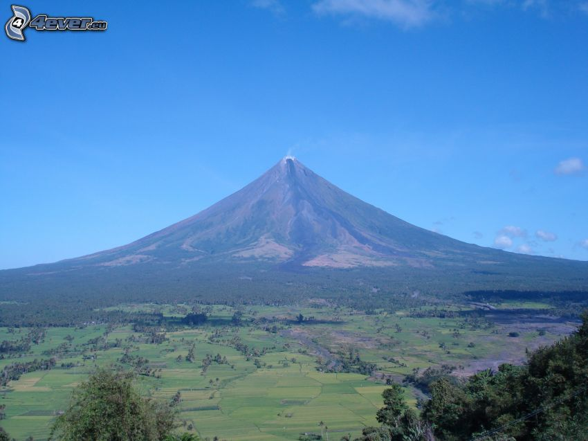 Mount Mayon, Filippine, boschi e prati