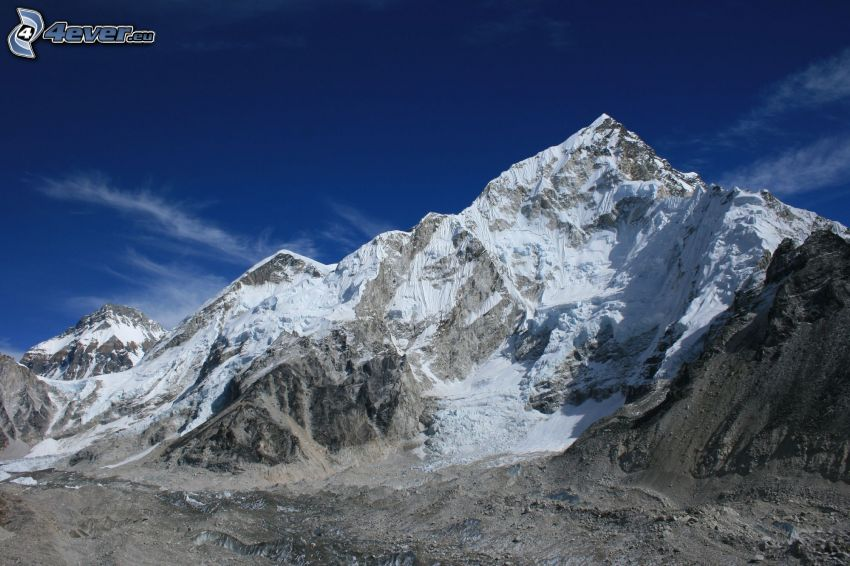 Mount Nuptse, montagna innevata, Nepal