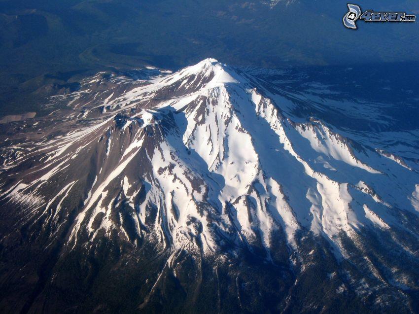 Mount Shasta, montagna innevata