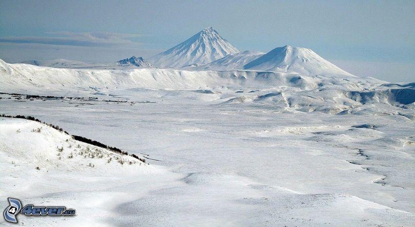 Volcano Kronockaja, paesaggio innevato