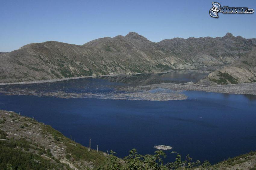 lago di montagna, acqua