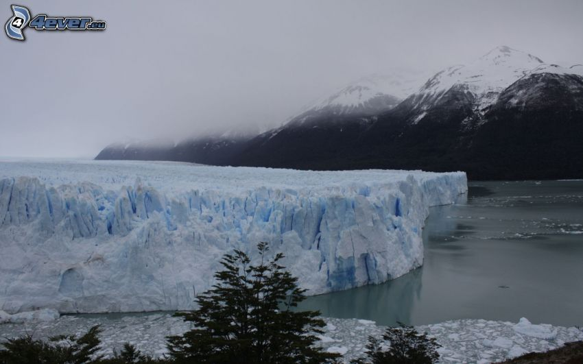 paesaggio invernale, ghiacciaio, lago, montagne innevate