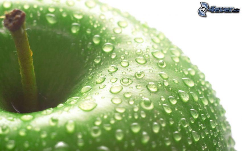 mela verde, gocce d'acqua