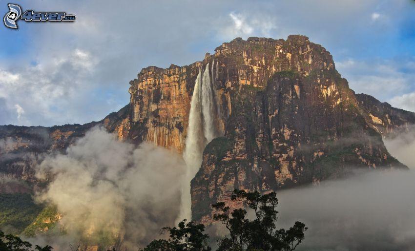 Salto Ángel, scogliera, nuvole, Venezuela