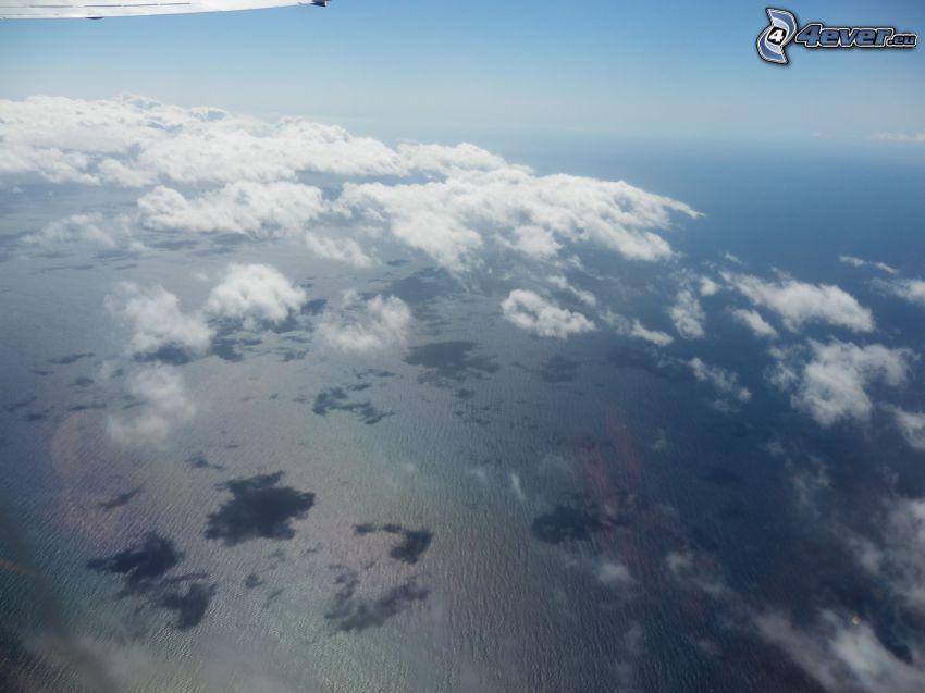 sopra le nuvole, alto mare