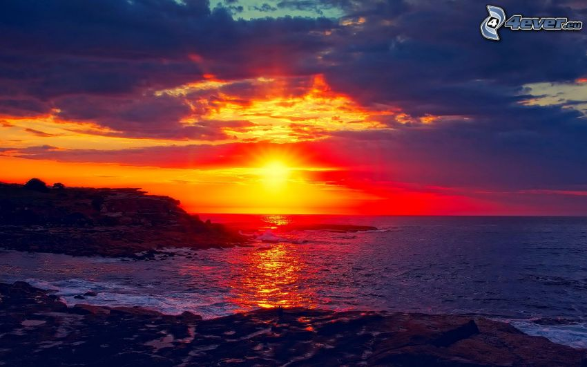 tramonto sul mare, alto mare, costa rocciosa, nuvole