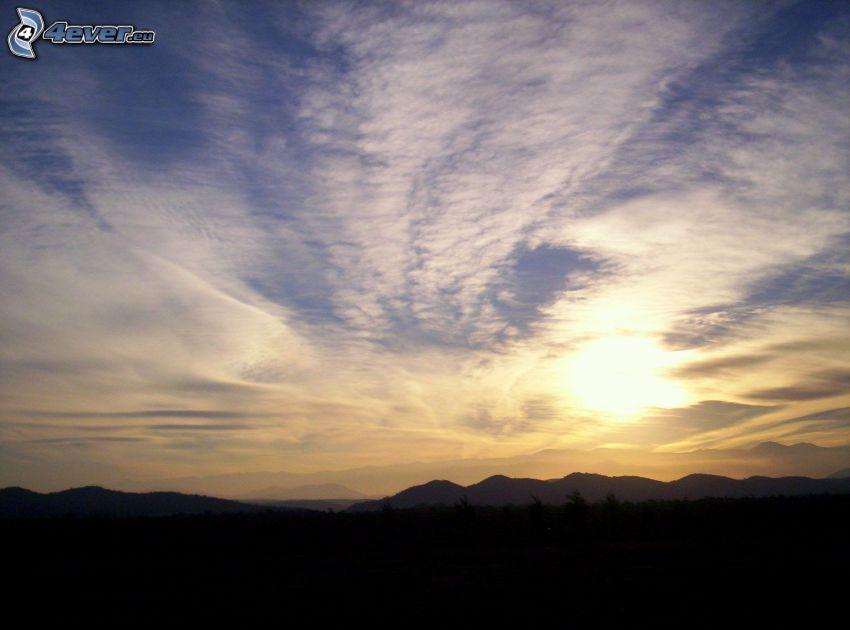 tramonto sulle montagne, montagna, cielo