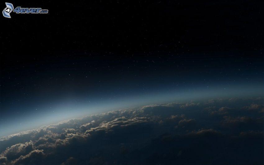 Terra, nuvole, stelle