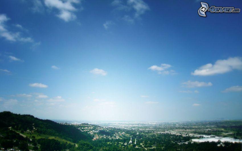 vista della città, cielo blu