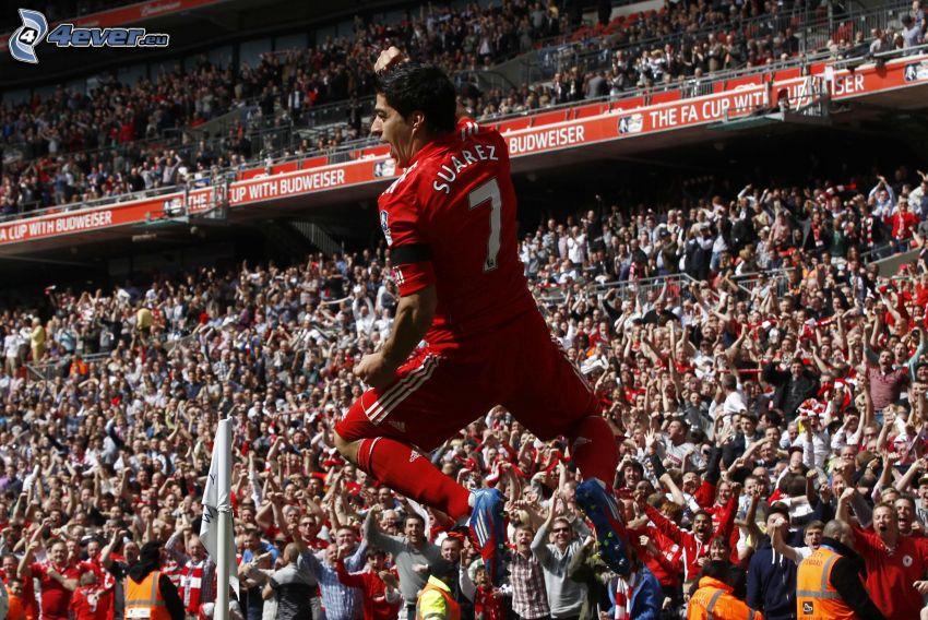 Luis Suárez, calciatore, salto, spettatori