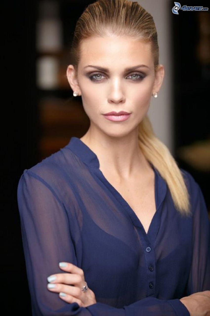AnnaLynne McCord, camicia trasparente