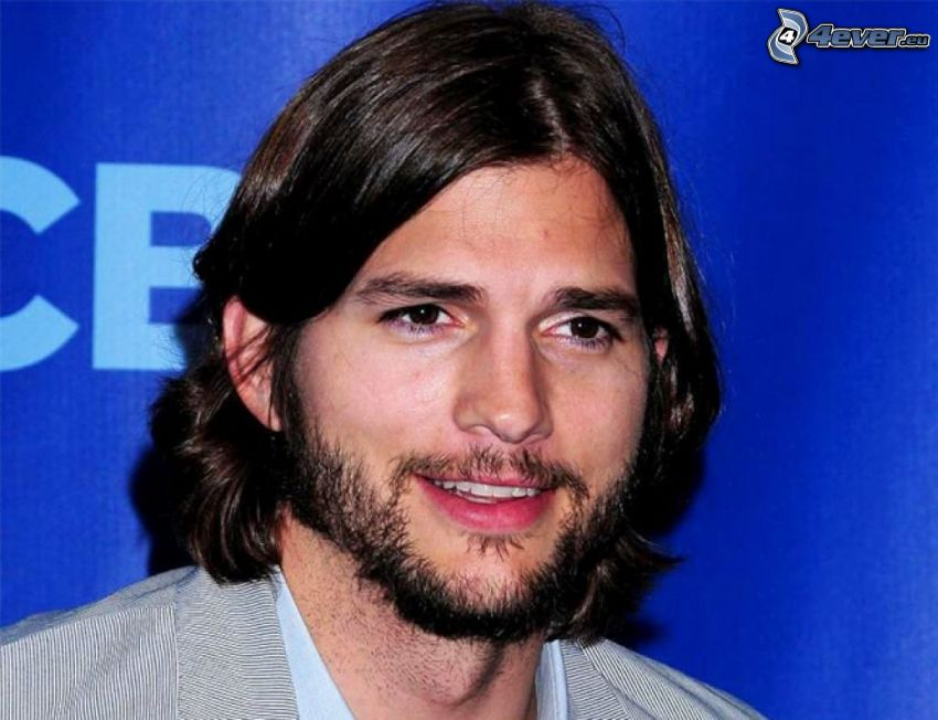Ashton Kutcher, barba, capelli lunghi