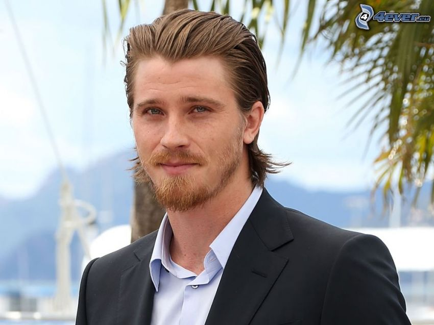 Garrett Hedlund, giacca