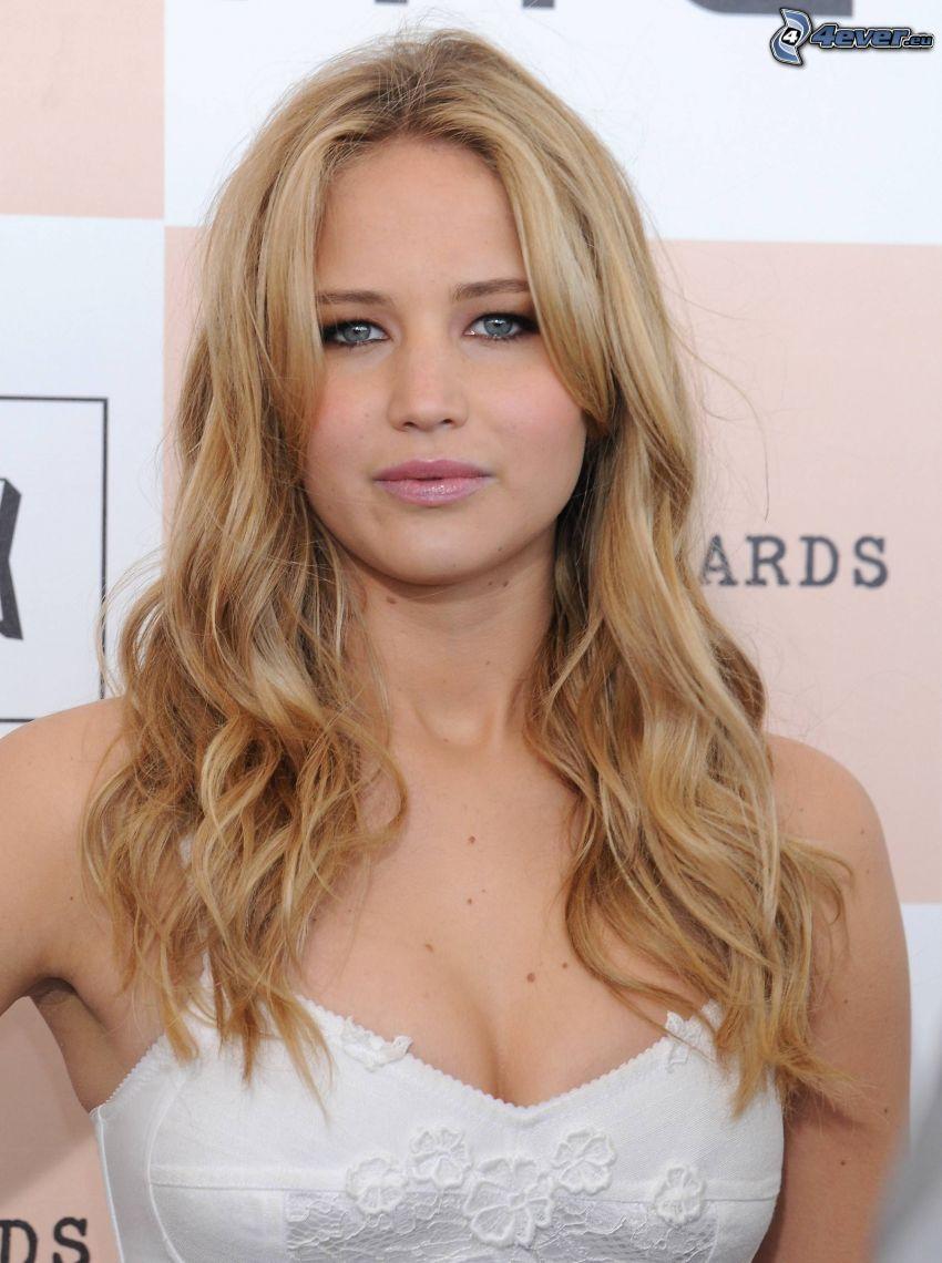 Jennifer Lawrence, bionda riccia