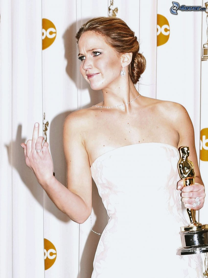 Jennifer Lawrence, gesto, oscar, abito bianco