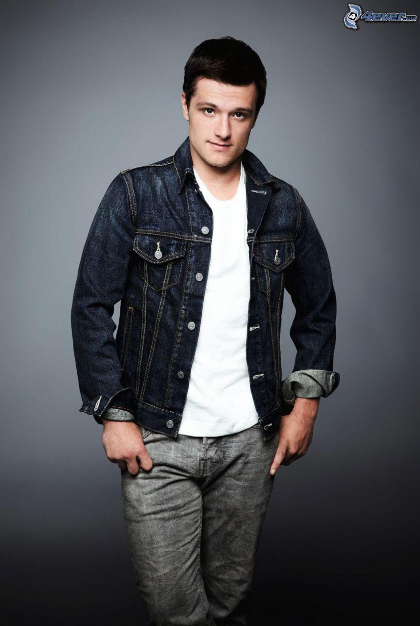Josh Hutcherson, giacca