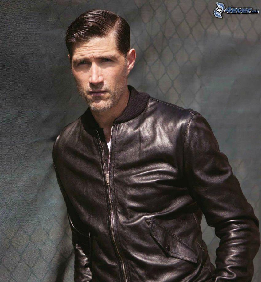 Matthew Fox, giacca pelle