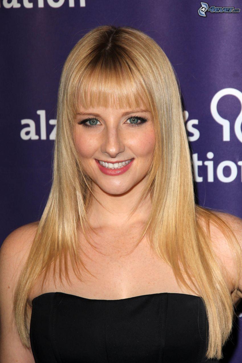 Melissa Rauch, abito nero, sorriso