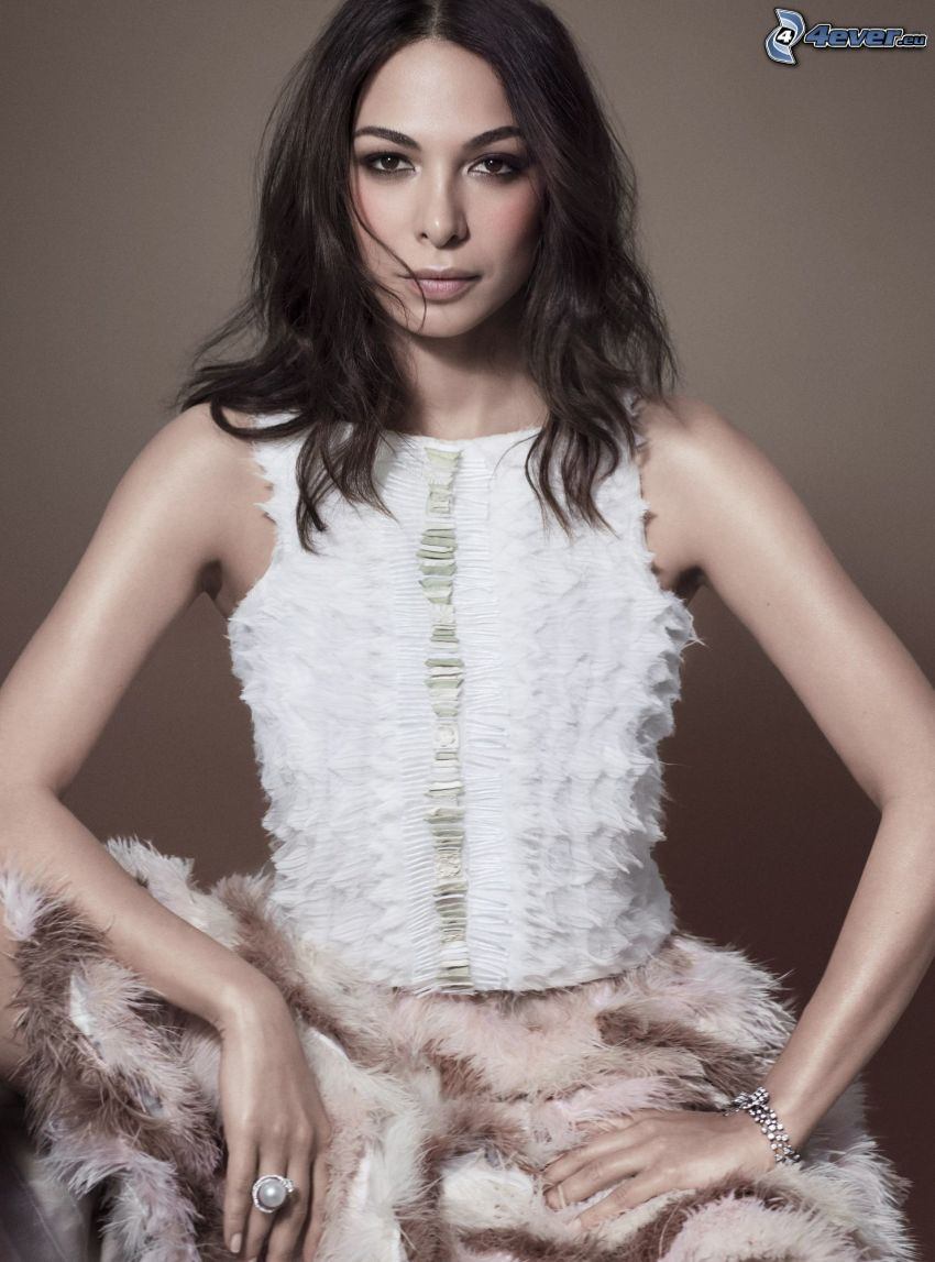 Moran Atias, abito bianco
