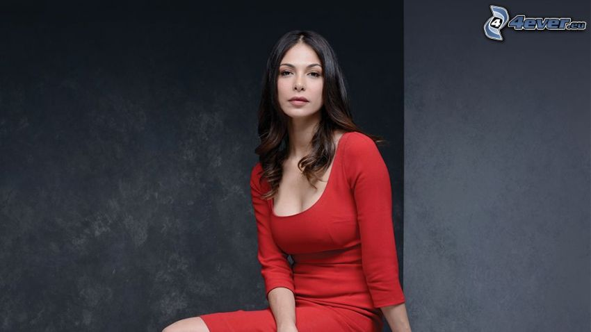 Moran Atias, vestito rosso
