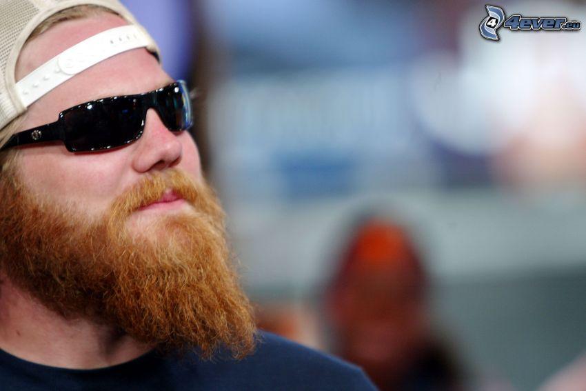 Ryan Dunn, barba, occhiali da sole
