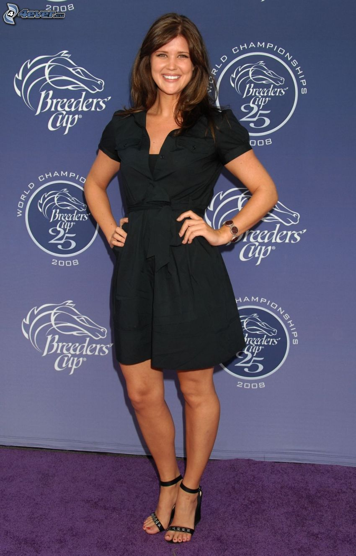 Sarah Lancaster, abito nero