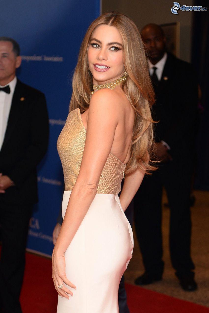 Sofia Vergara, vestito d'oro