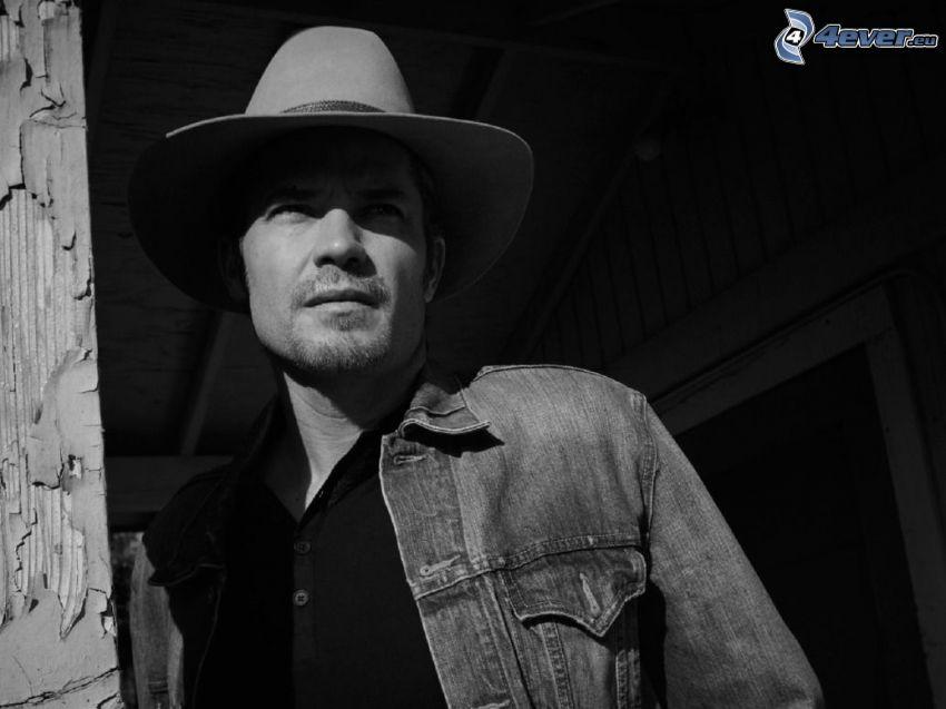 Timothy Olyphant, foto in bianco e nero, un uomo in un cappello