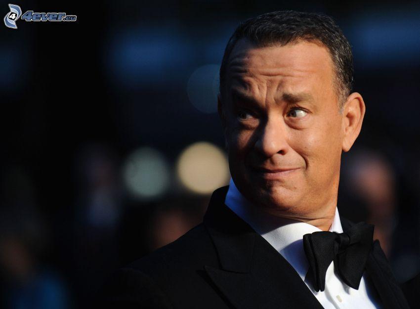 Tom Hanks, uomo in abito, sguardo