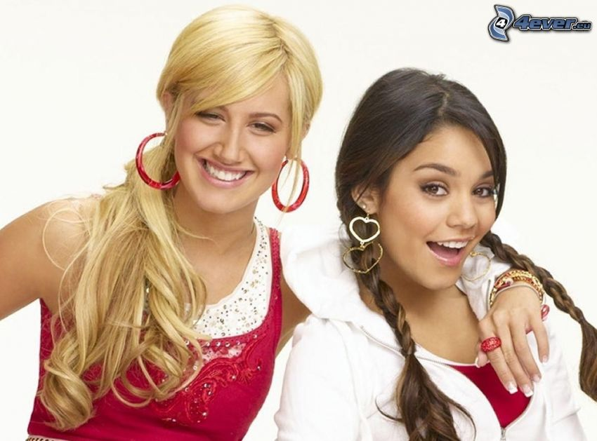 Vanessa Hudgens e Ashley Tisdale, High School Musical
