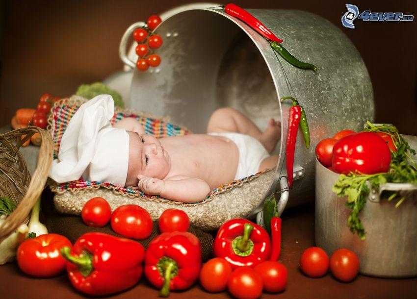 bambino, peperoni, pomodori