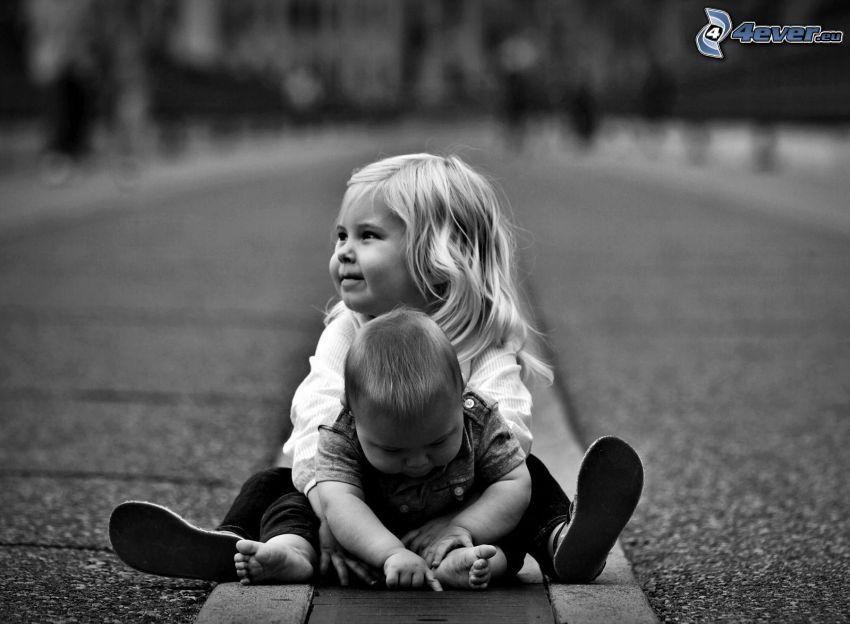 figli, marciapiede, bianco e nero