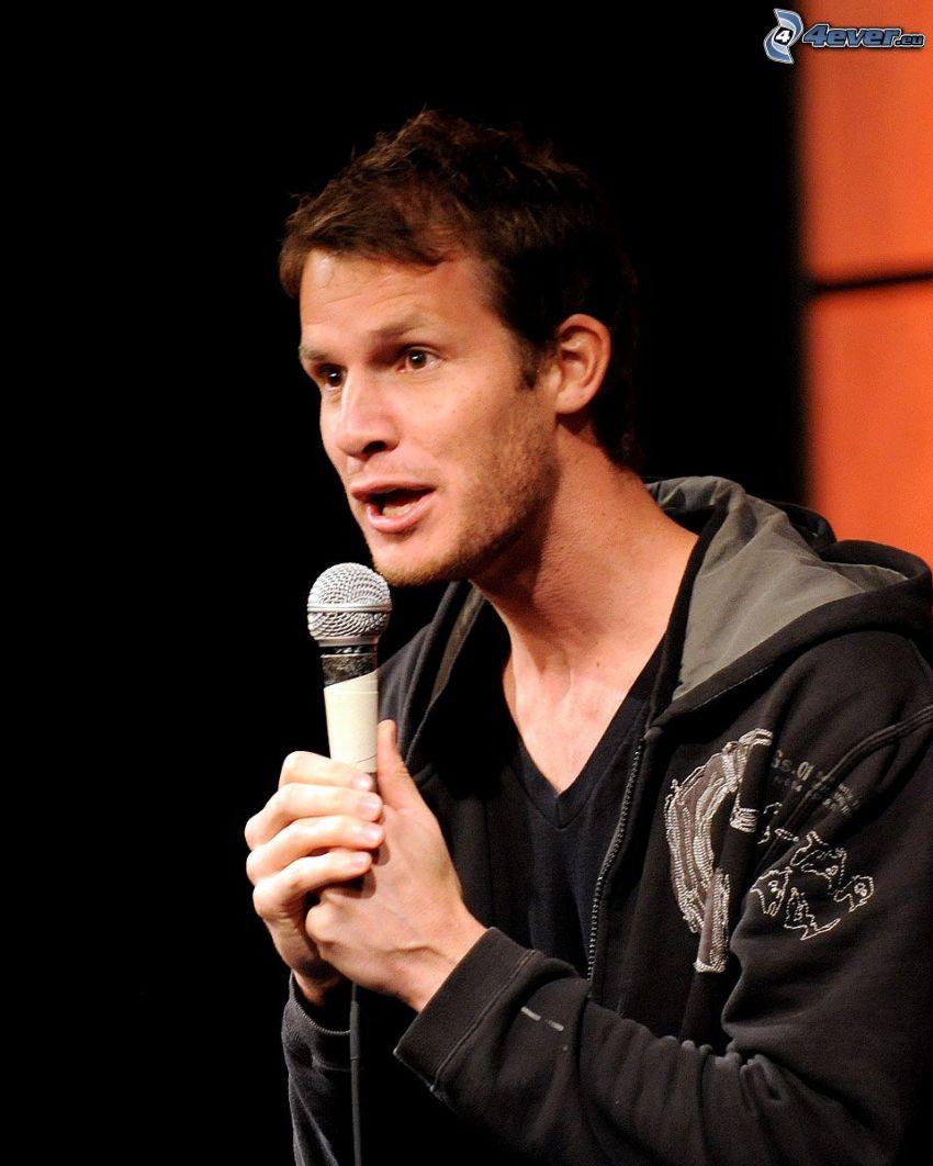 Daniel Tosh, comico, microfono