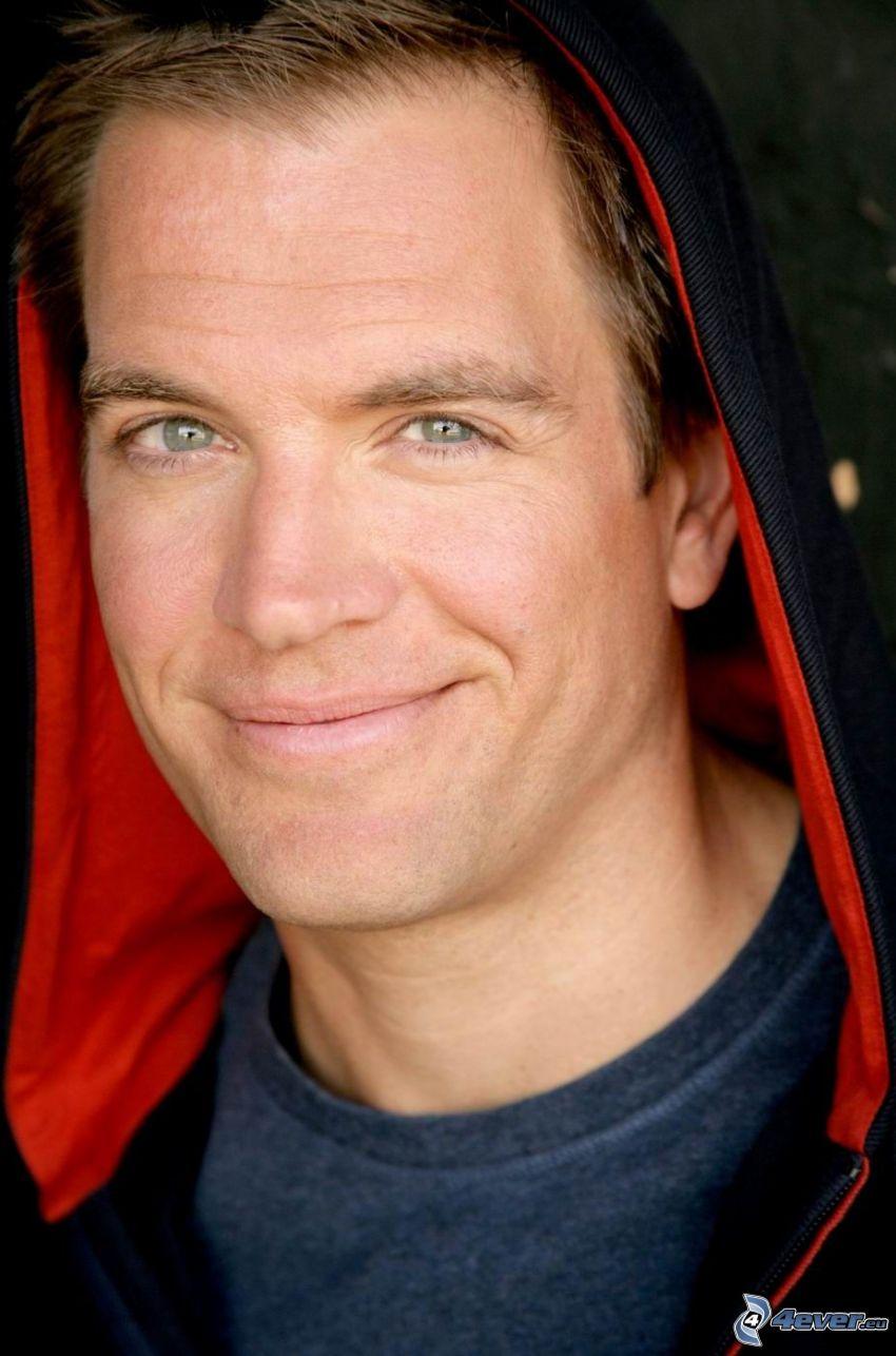 Michael Weatherly, cappuccio, attore, sorriso