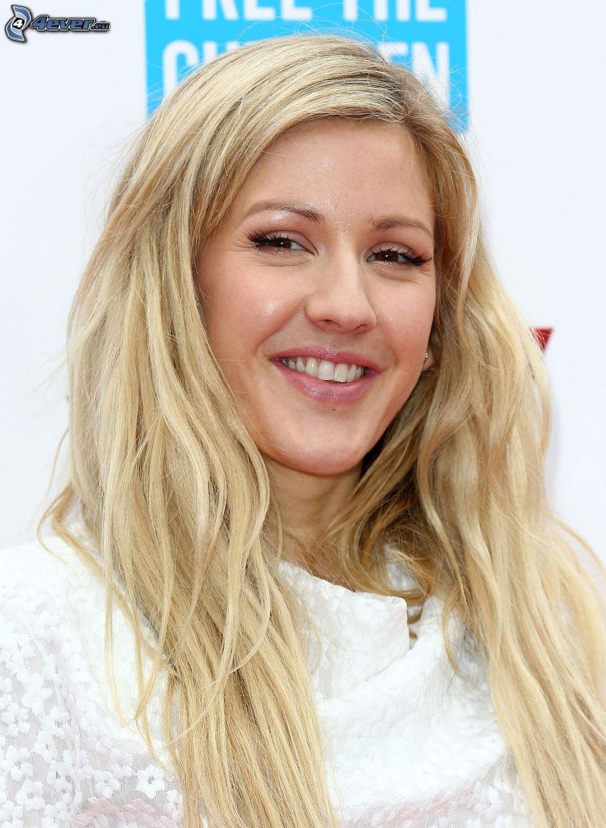 Ellie Goulding, sorriso