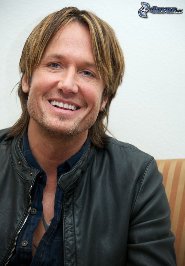 Keith Urban, sorriso, giacca pelle