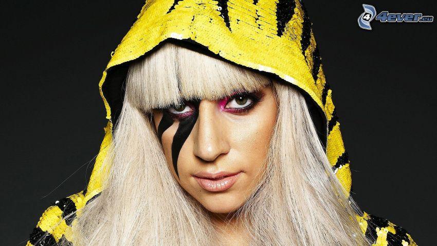 Lady Gaga, cappuccio