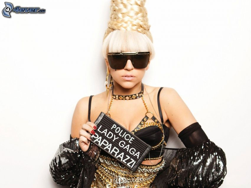 Lady Gaga, occhiali da sole