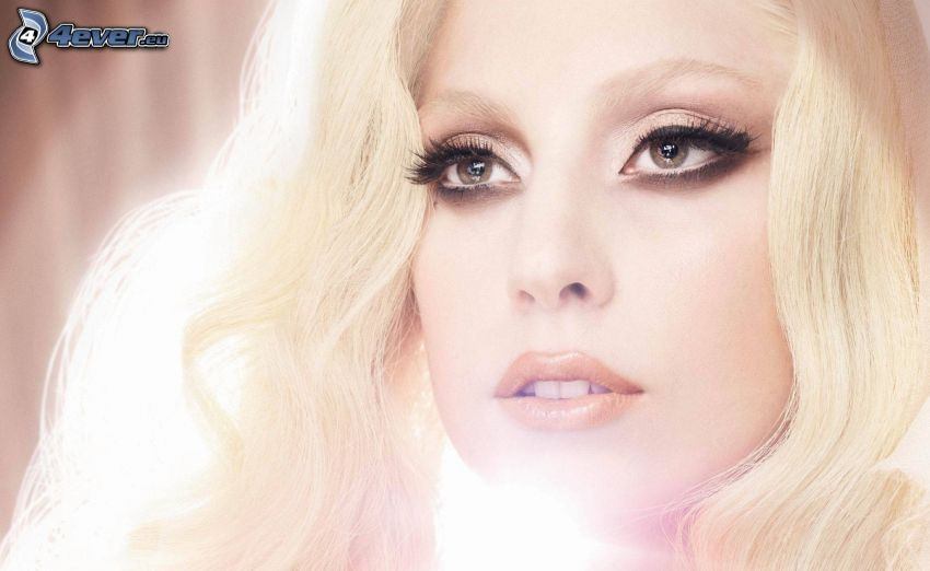 Lady Gaga, sguardo