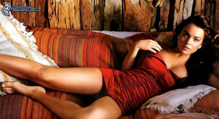 Lindsay Lohan, cantante, divano
