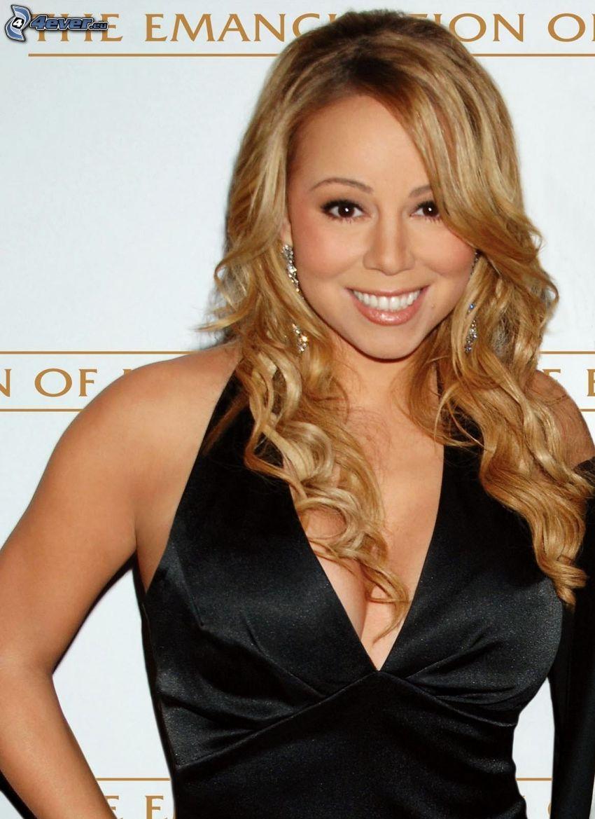 Mariah Carrey, sorriso, abito nero
