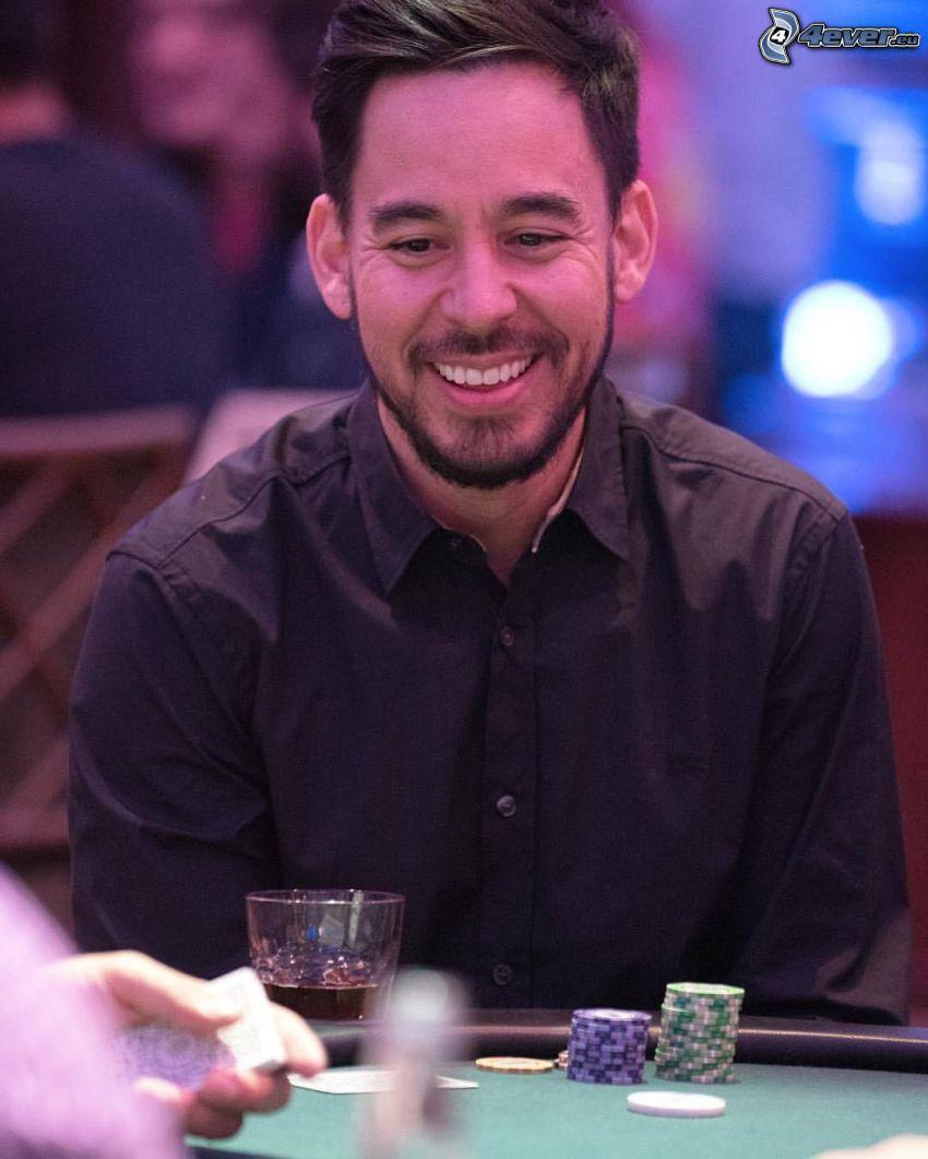 Mike Shinoda, sorriso, poker