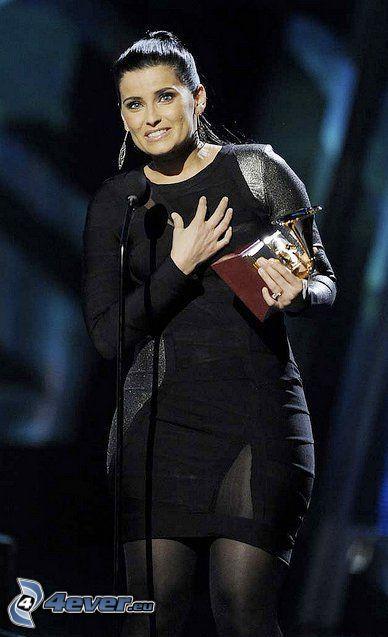 Nelly Furtado, cantante, premi