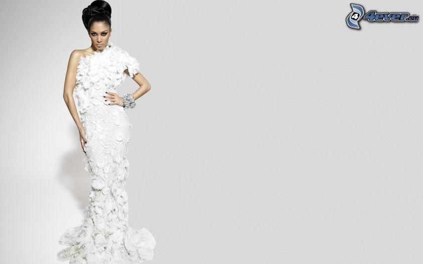 Nicole Scherzinger, abito bianco